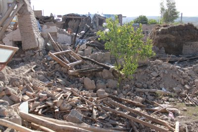 earthquake remains buildings wreckage