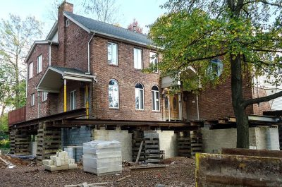 house cinder blocks flood jack up