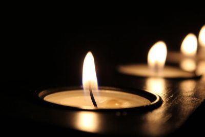 candles-in-a-row
