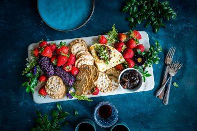crackers strawberries plate