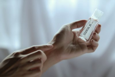 essential oils hands
