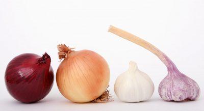 garlic onions red white