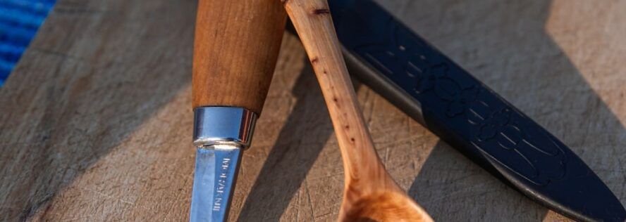 The Best Whittling Knives For Beginners and Beyond