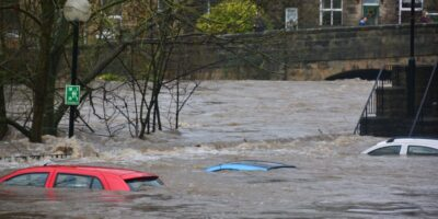 How to Escape a Sinking Car in a Flood